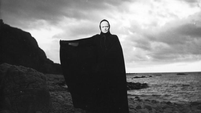 """Stillfoto från """"Det sjunde inseglet"""" av Ingmar Bergman,"""