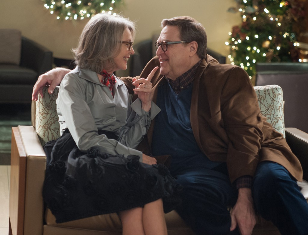 Recension: Love the Coopers