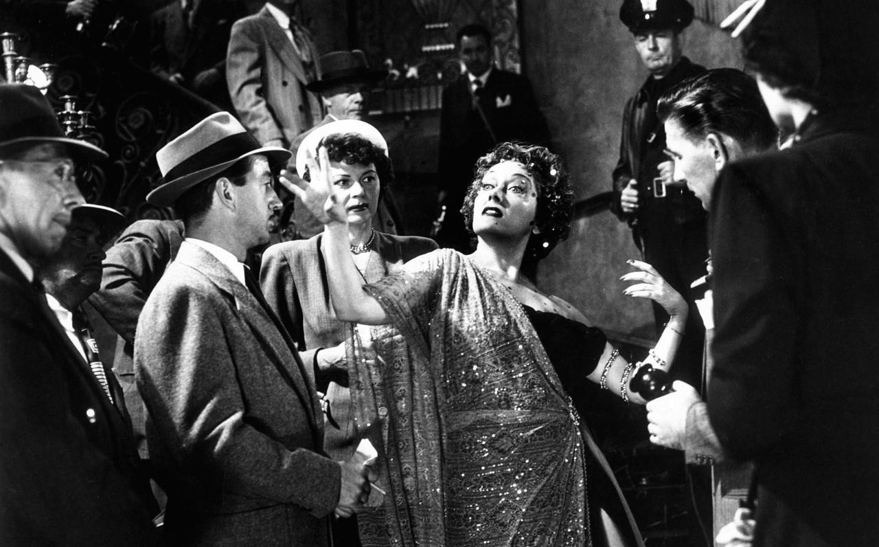 gallery_movies-sunset-boulevard-1950-gloria-swanson
