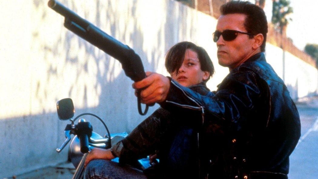 John Connor och The Terminator på motorcykel