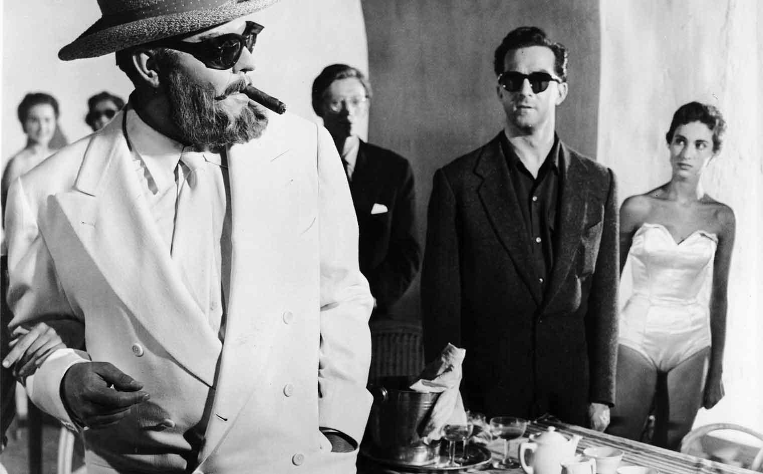 Mr. Arkadin (1955) Directed by : Orson Welles Shown : Orson Welles (as Gregory Arkadin), Robert Arden (as Guy Van Stratten)