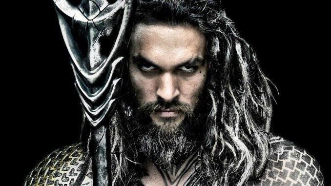 Jason Momoa som Aquaman - bästa filmtipsen 2018