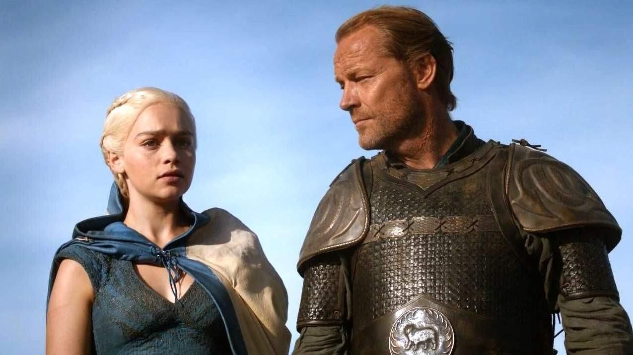 Emilia Clarke och Iain Glen i Game of Thrones