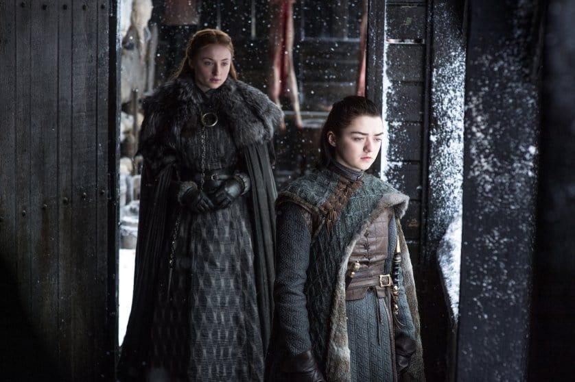 Sophie Turner och Maisie Williams som Sansa och Arya i Game of Thrones