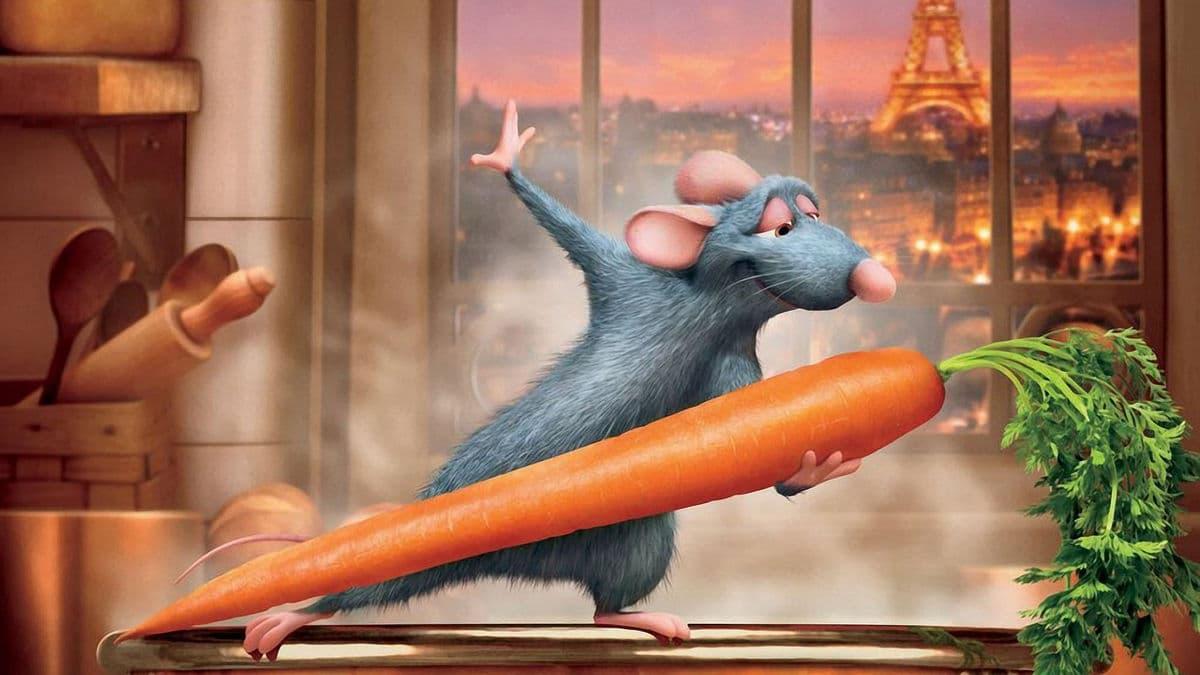 Från filmen Råttatouille. Musen Remy dansar med en morot.