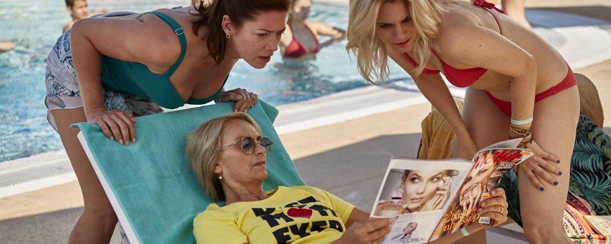 """Suzanne Reuter i filmen """"All Inclusive"""""""