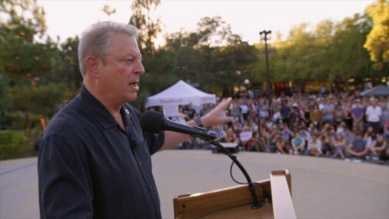 Al Gore håller ett tal.