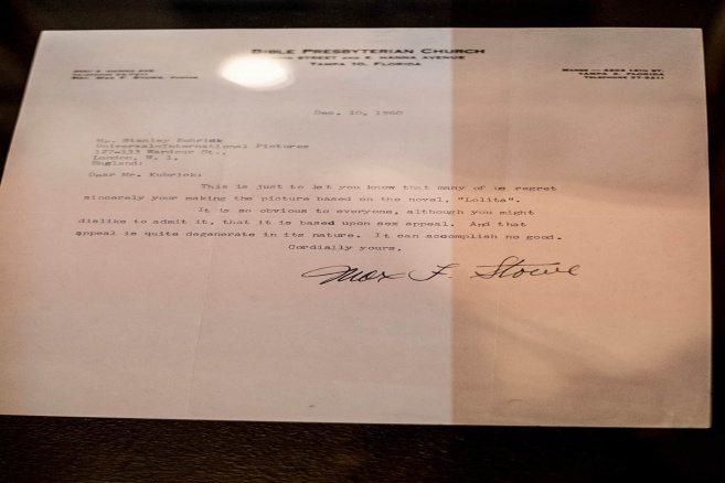 """Ett missnöjt brev från en kyrkoförsamling adresserat till Stanley Kubrick angående filmen """"Lolita""""."""