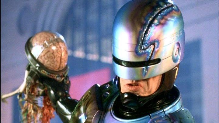 Robocop krossar skurkens järna