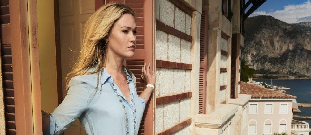 Julia Stiles i Riviera