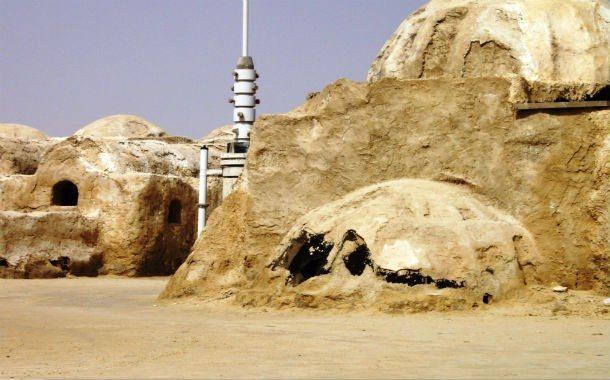 Ett besök i Tunisien och den övergivna inspelningsplatsen i Tozur är ett starkt restips för filmälskare.