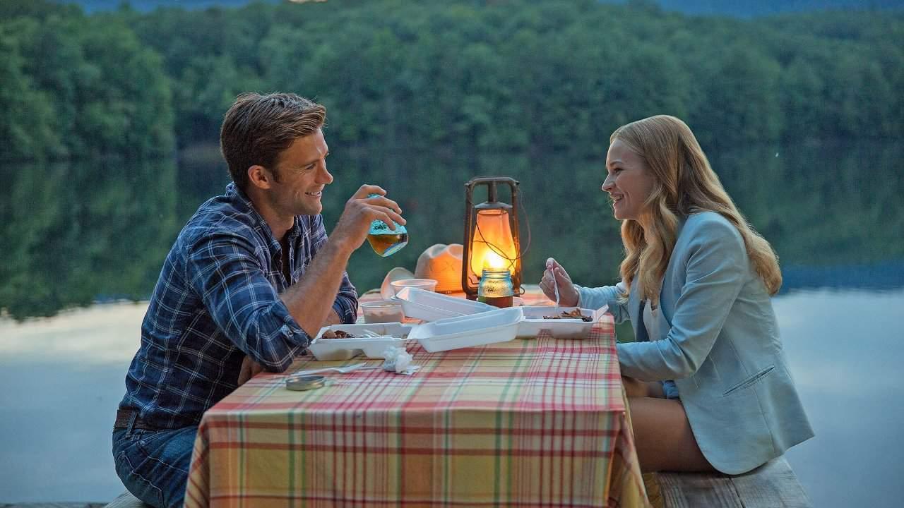 Scott Eastwood och Britt Robertson i The Longest Ride.