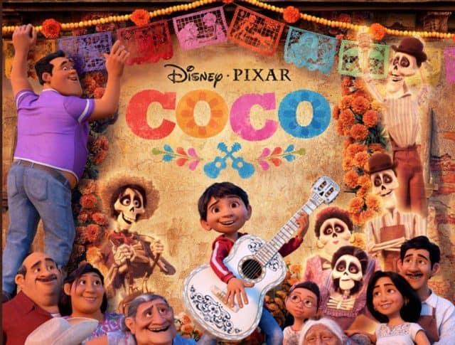 Affisch till Coco med huvufiguren Miguel och hela hans familj