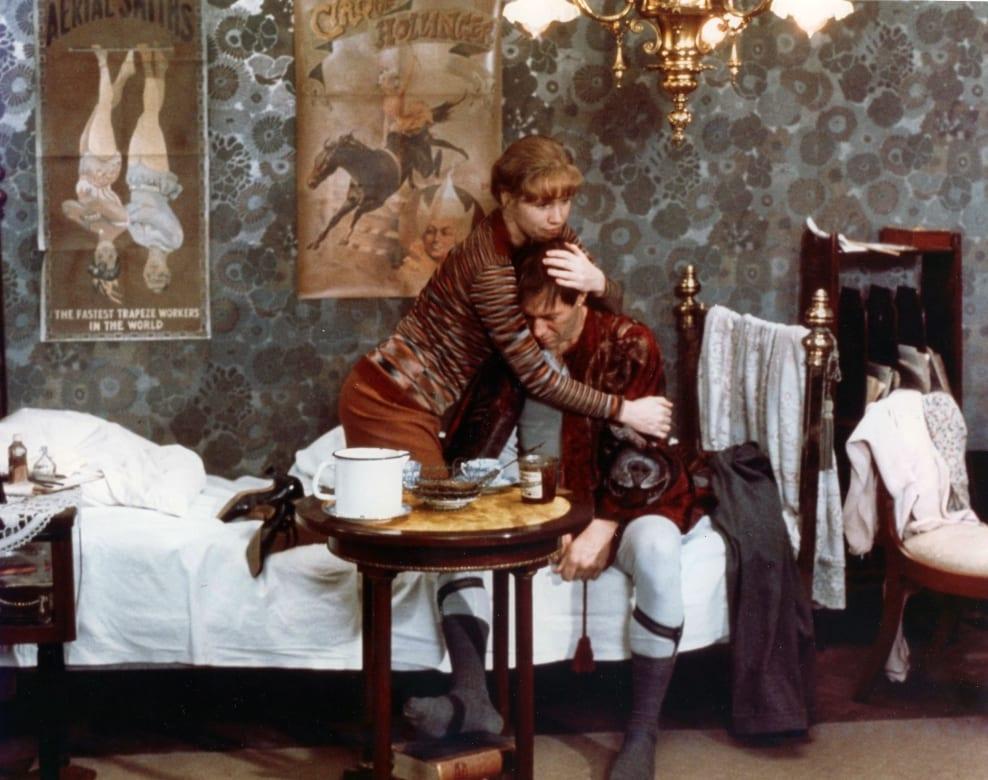 Liv Ullmann och David Carradine i Bergmanfilmen Ormens ägg.