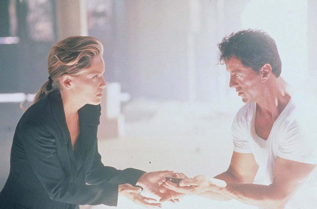 BILD: Sharon Stone och Sylvester Stallone i The Specialist.