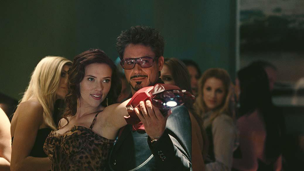 Scarlett Johansson och Robert Downey Jr. i Iron Man 2.