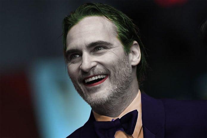 Joaquin Phoenix sminkad som jokern.