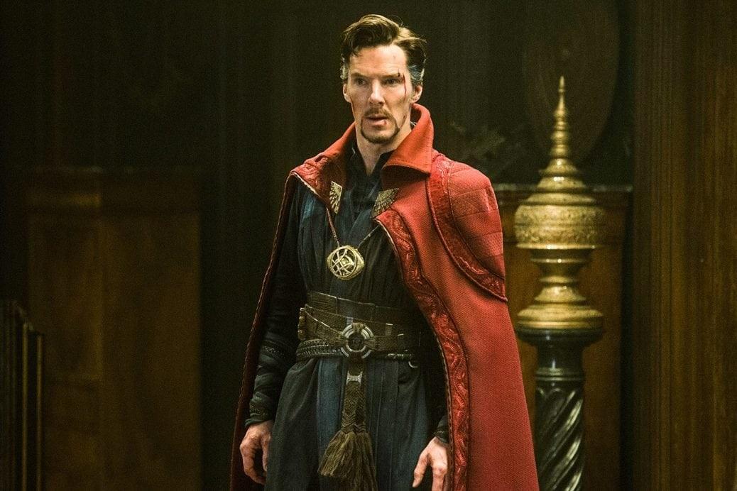 På bilden ser du Doctor Strange som spelas av Benedict Cumberbatch