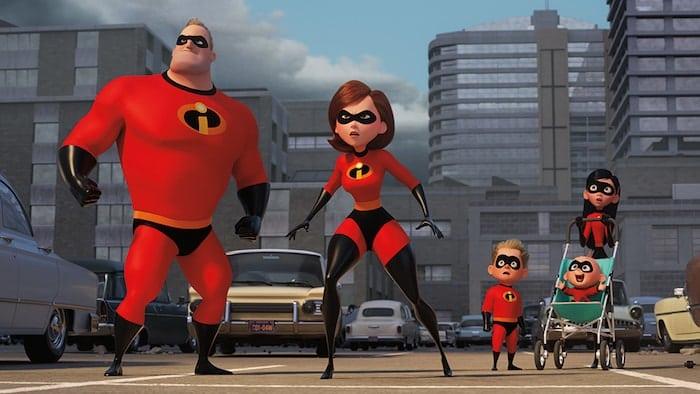 """Superhjältefamiljen i Brad Birds """"Superhjältarna 2"""" från Pixar."""