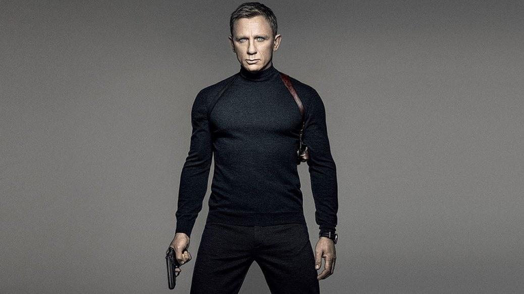 På bilden ser du en vältränad Daniel Craig