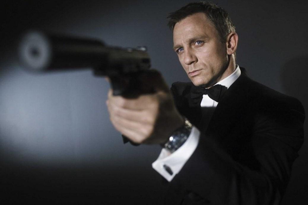 På bilden ser vi Daniel Craig som James Bond