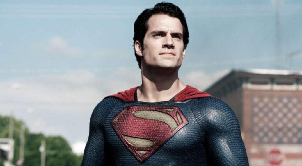 På bilden ser vi Henry Cavill som superman