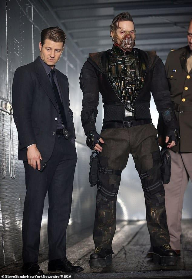 Ben McKenzie och Shane West i Gotham.