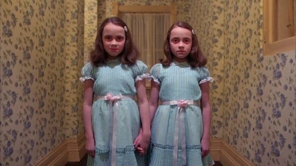 Bild på tvillingarna i The Shining