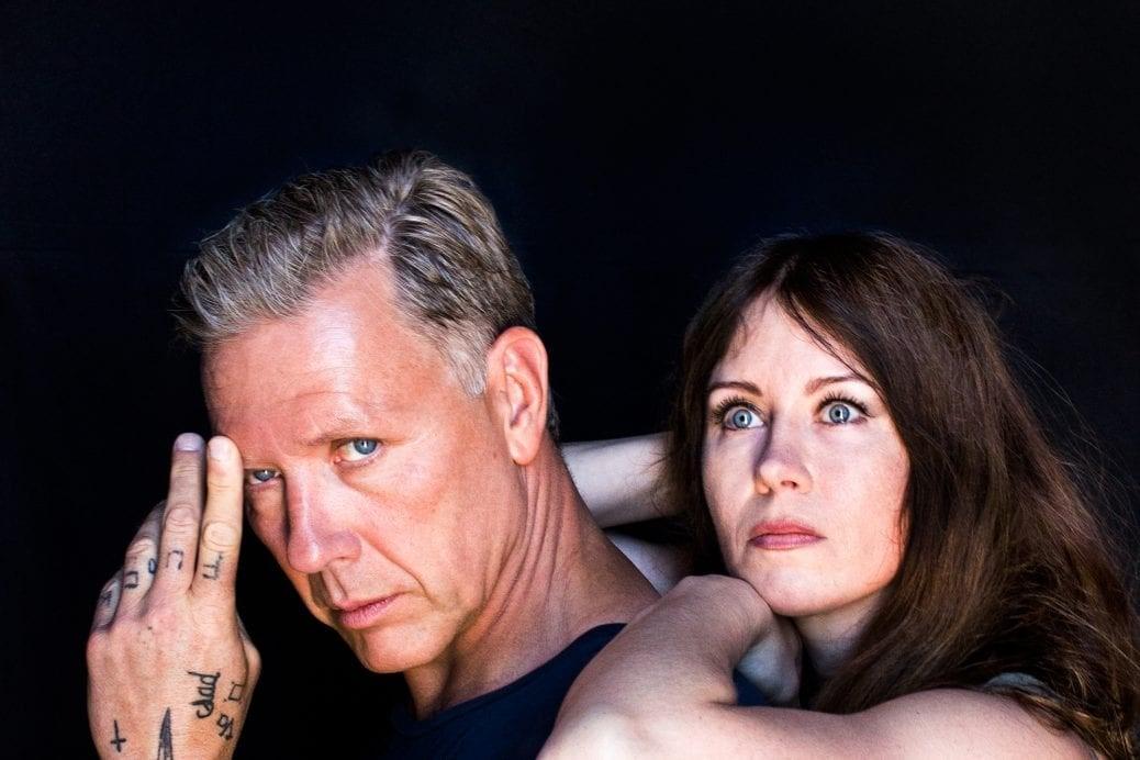 Mikael Persbrandt och Anna Odell.