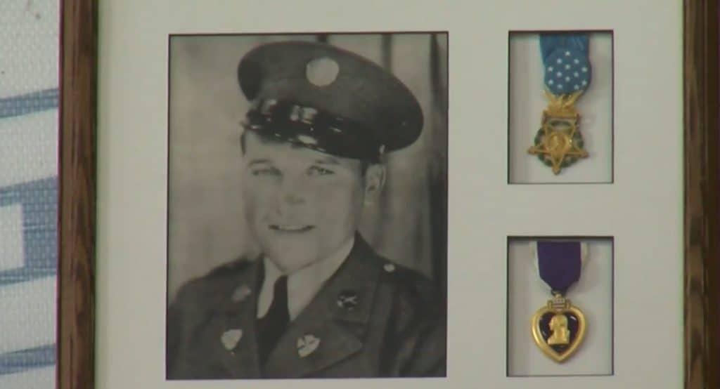 Bild på Sylvester Antolak, som är fokus för första avsnittet av Medal of Honor.