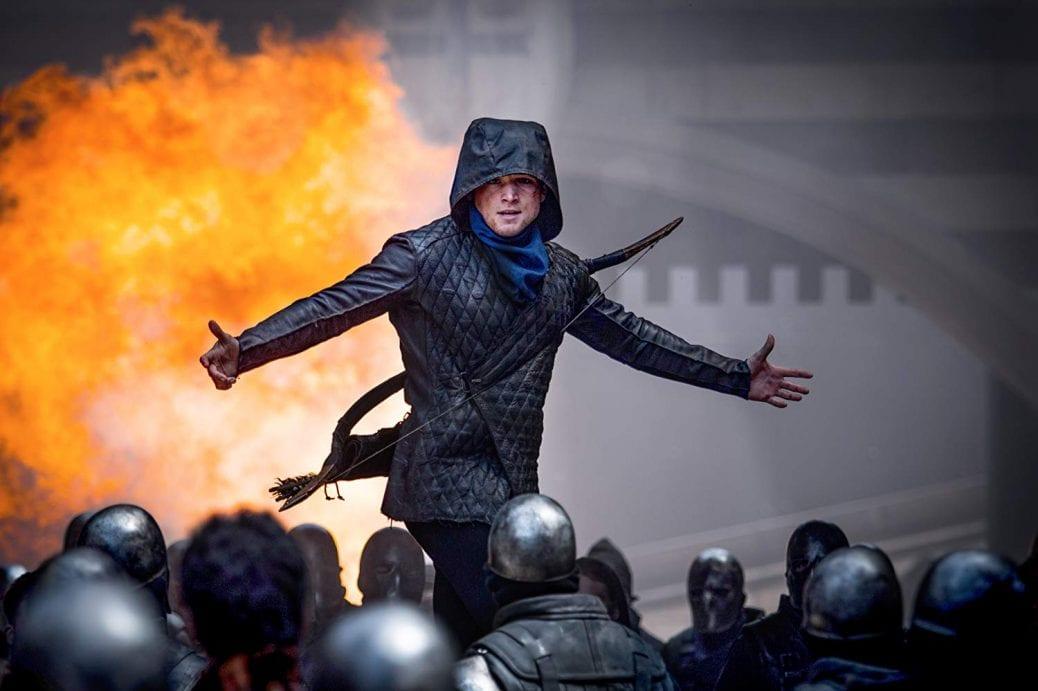 """Taron Egerton i """"Robin Hood""""."""
