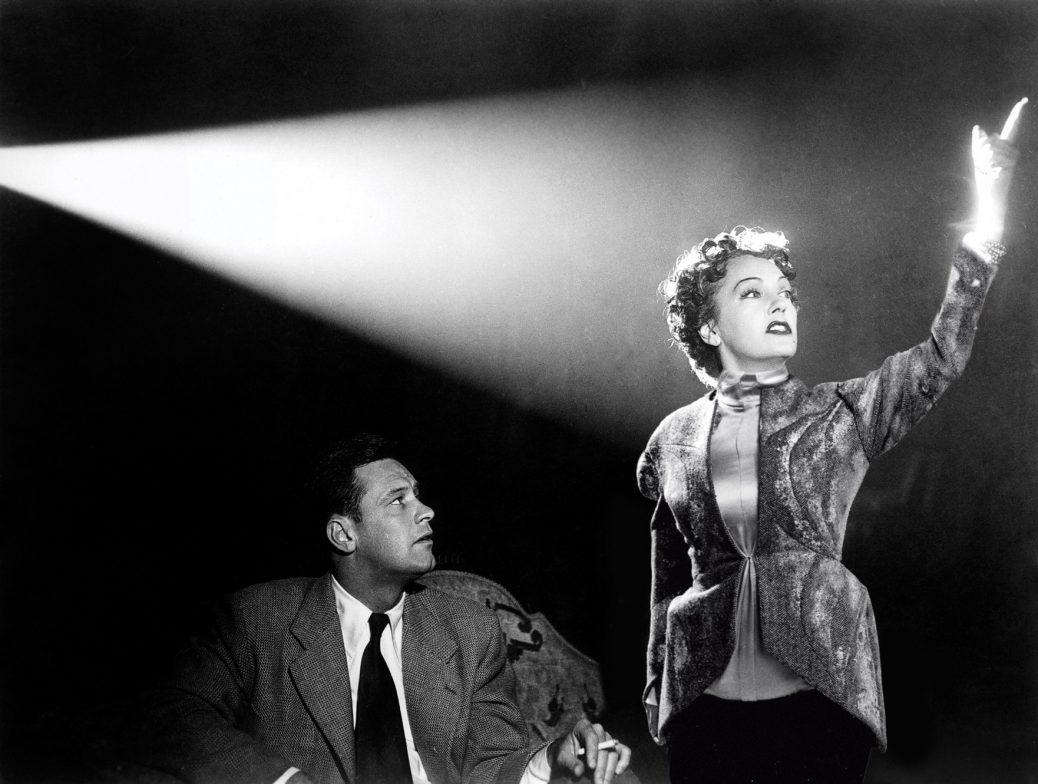 "William Holden och Gloria Swanson i ""Sunset Boulevard""."