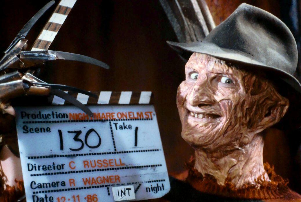 Robert Englund som Freddy Kreuger under inspelningen av Terror på Elm Street.