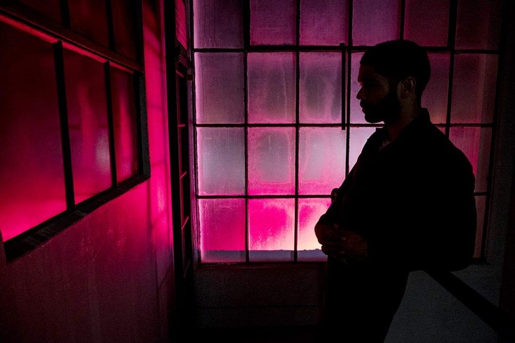 "Kingsley Ben-Adir som Karim Washington i ""The OA""."