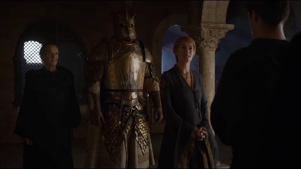 Cersei, Qyburn och The Mountain i Game of Thrones.