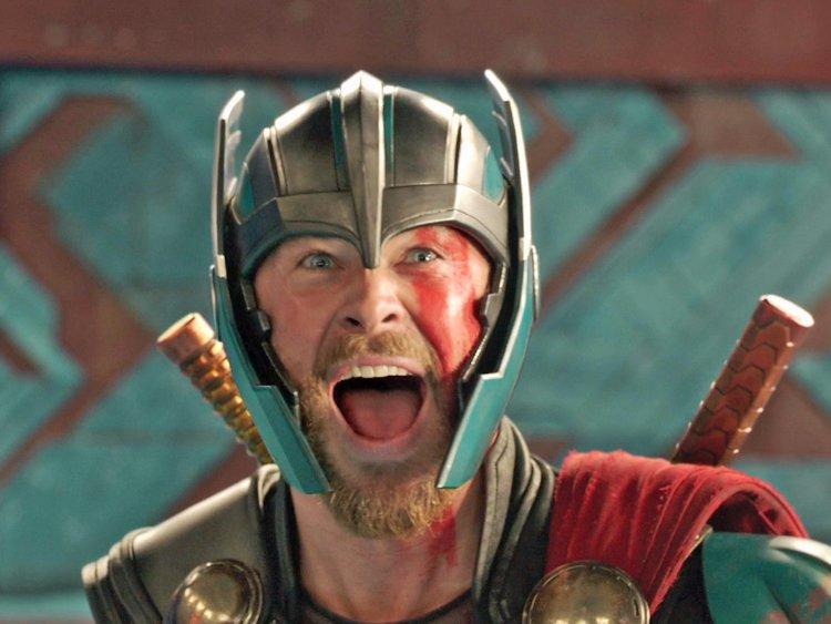 Thor skrattar