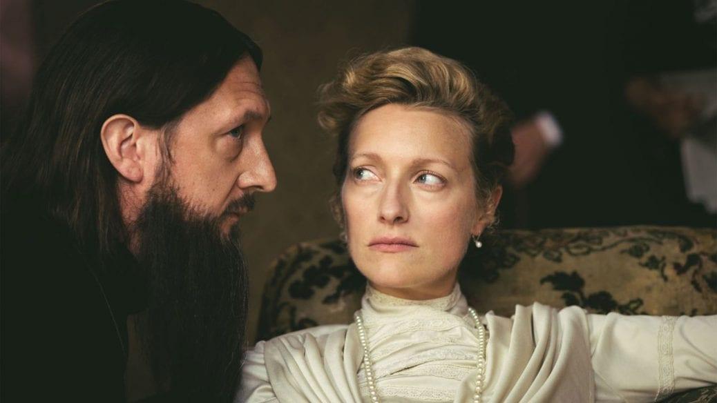 """Ben Cartwright och Susanna Herbert i """"The Last Czars""""."""