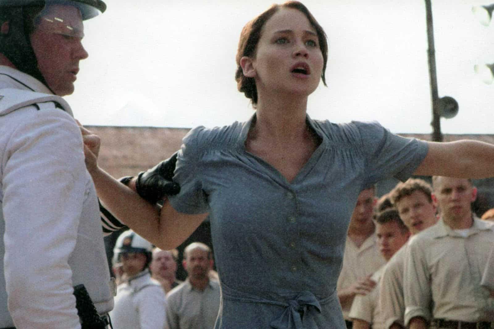 Katniss i The Hunger Games kliver fram.