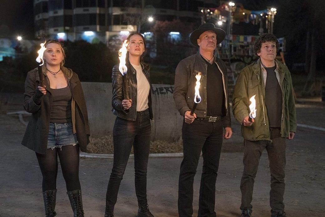 Abigail Breslin, Emma Stone, Woody Harrelson, Jesse Eisenberg i Zombieland: Double Tap.