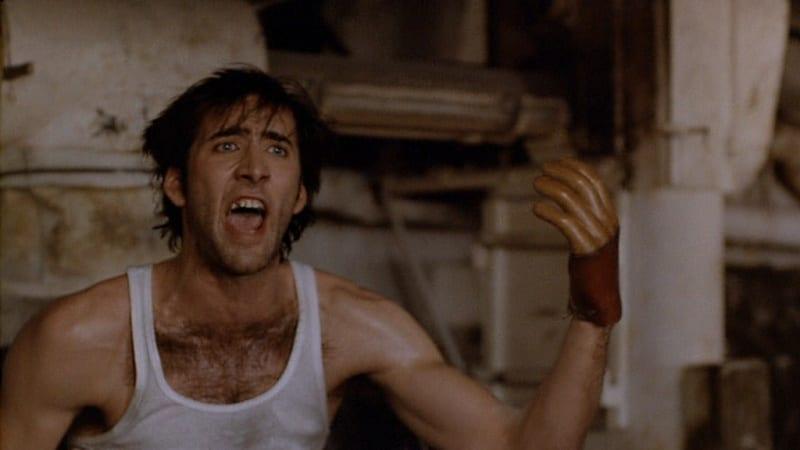 Nicolas Cage skriker om sin hand i Mångalen.