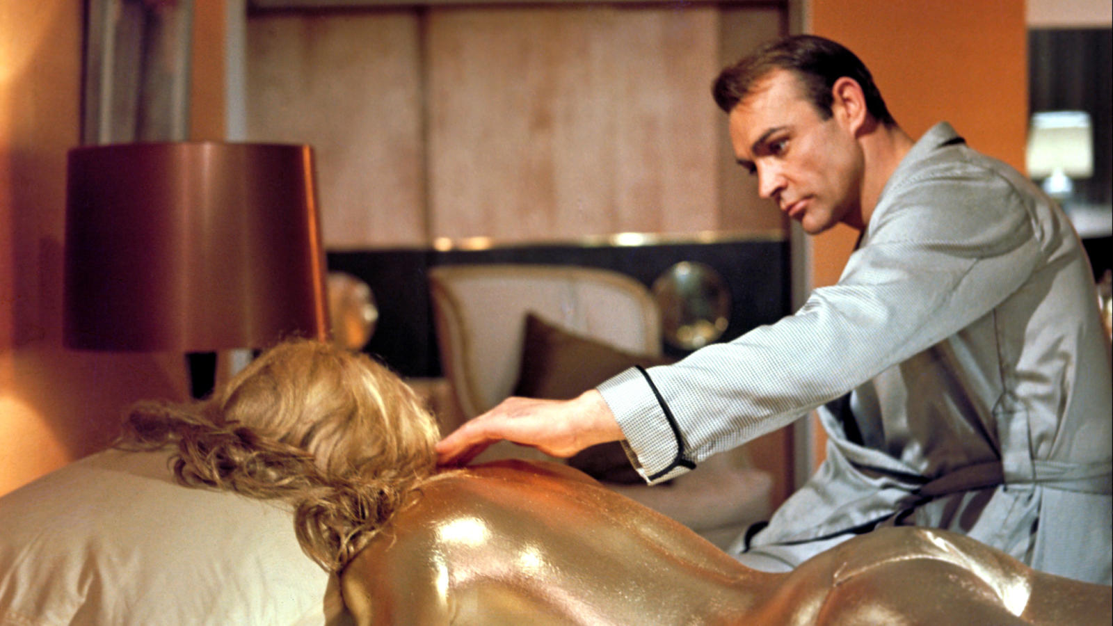 """Sean Connery i """"Goldfinger""""."""