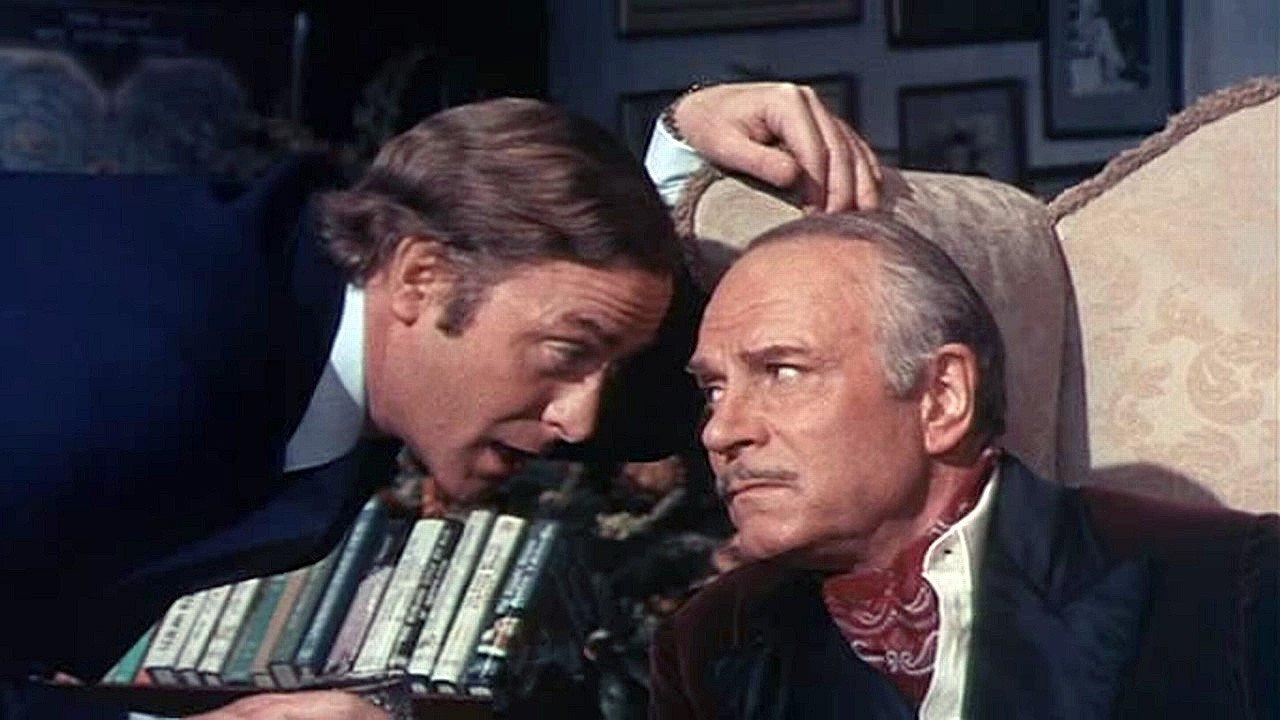 Laurence Olivier och Michael Caine i Sleuth - Spårhunden