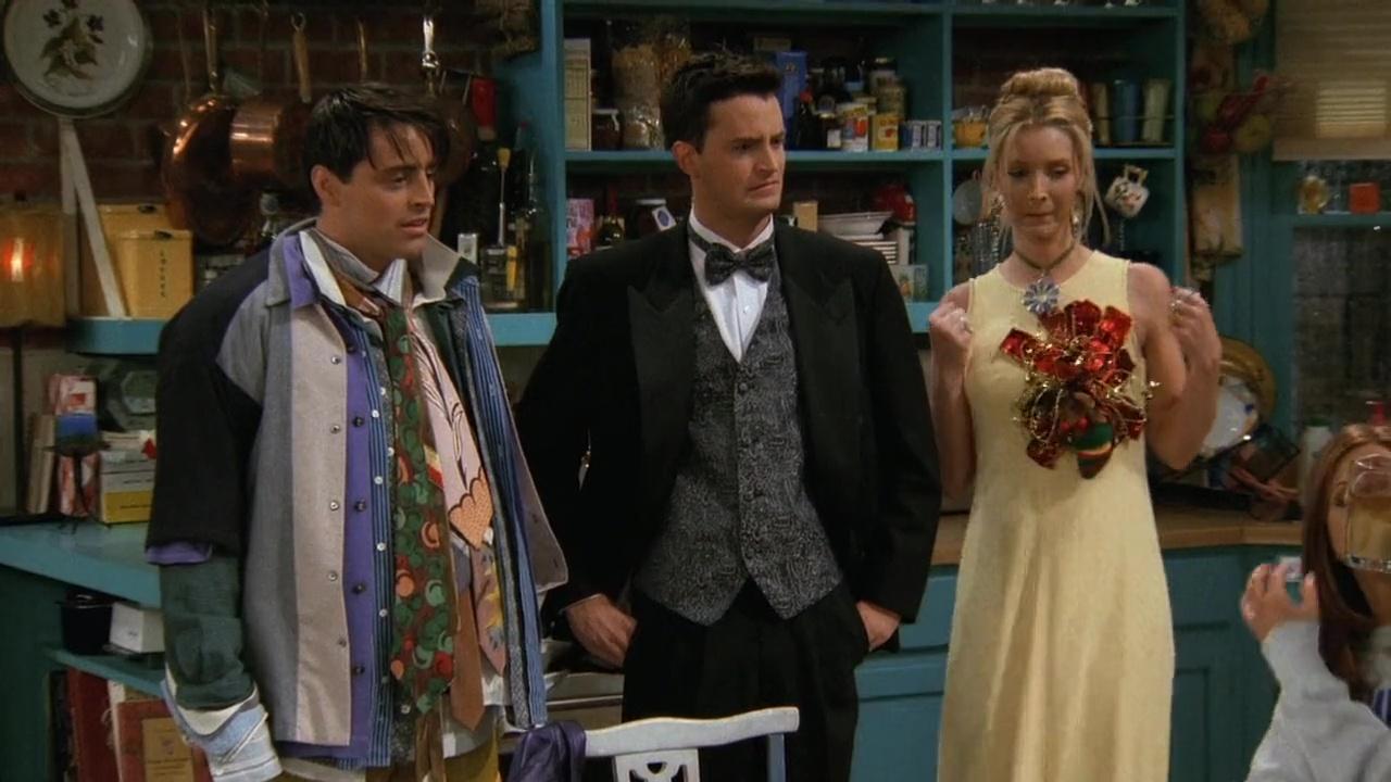 Det finns en semi-rationell förklaring till den här trions kläder. Foto: Netflix.