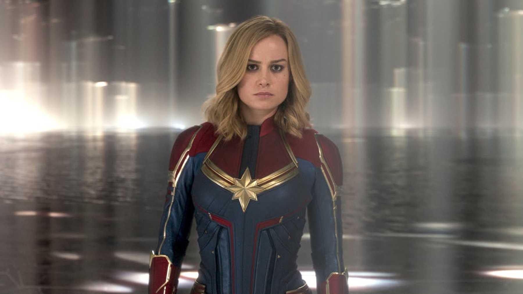 Brie Larson som Captain Marvel.