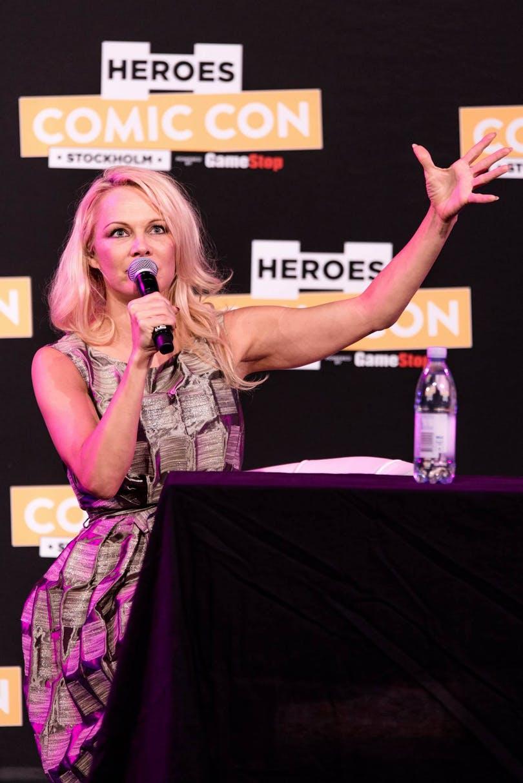 Pamela Anderson på Kistamässan.