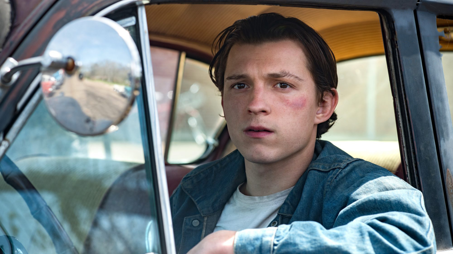 """Tom Holland i """"The Devil All The Time""""."""