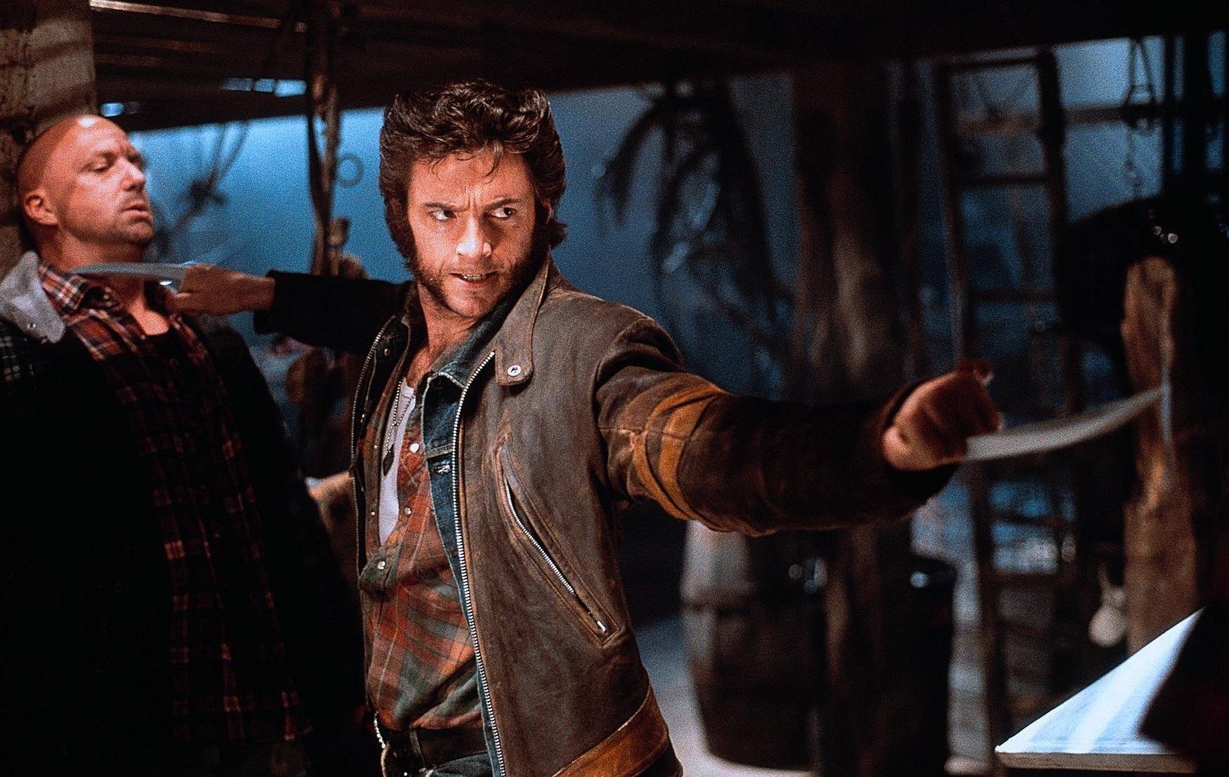 Vem kan glömma ögonblicket då vi först fick se Wolverine (Hugh Jackman) dra fram sina klor i X-Men (2000). Foto: 20th Century Fox.