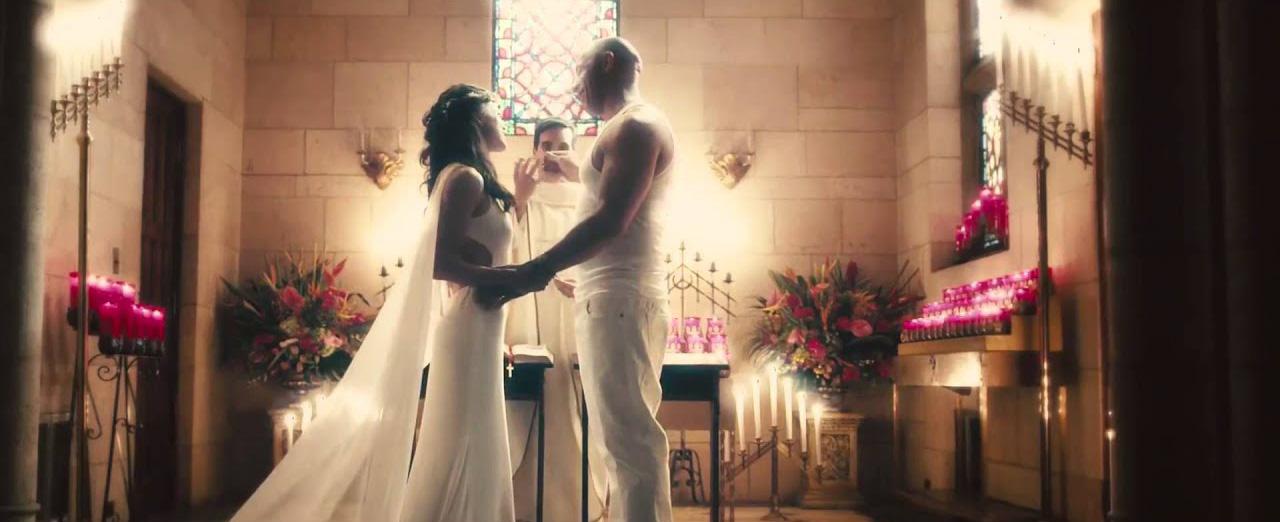 Höjden av machismo; gift dig i en wifebeater. Foto: Universal Pictures.