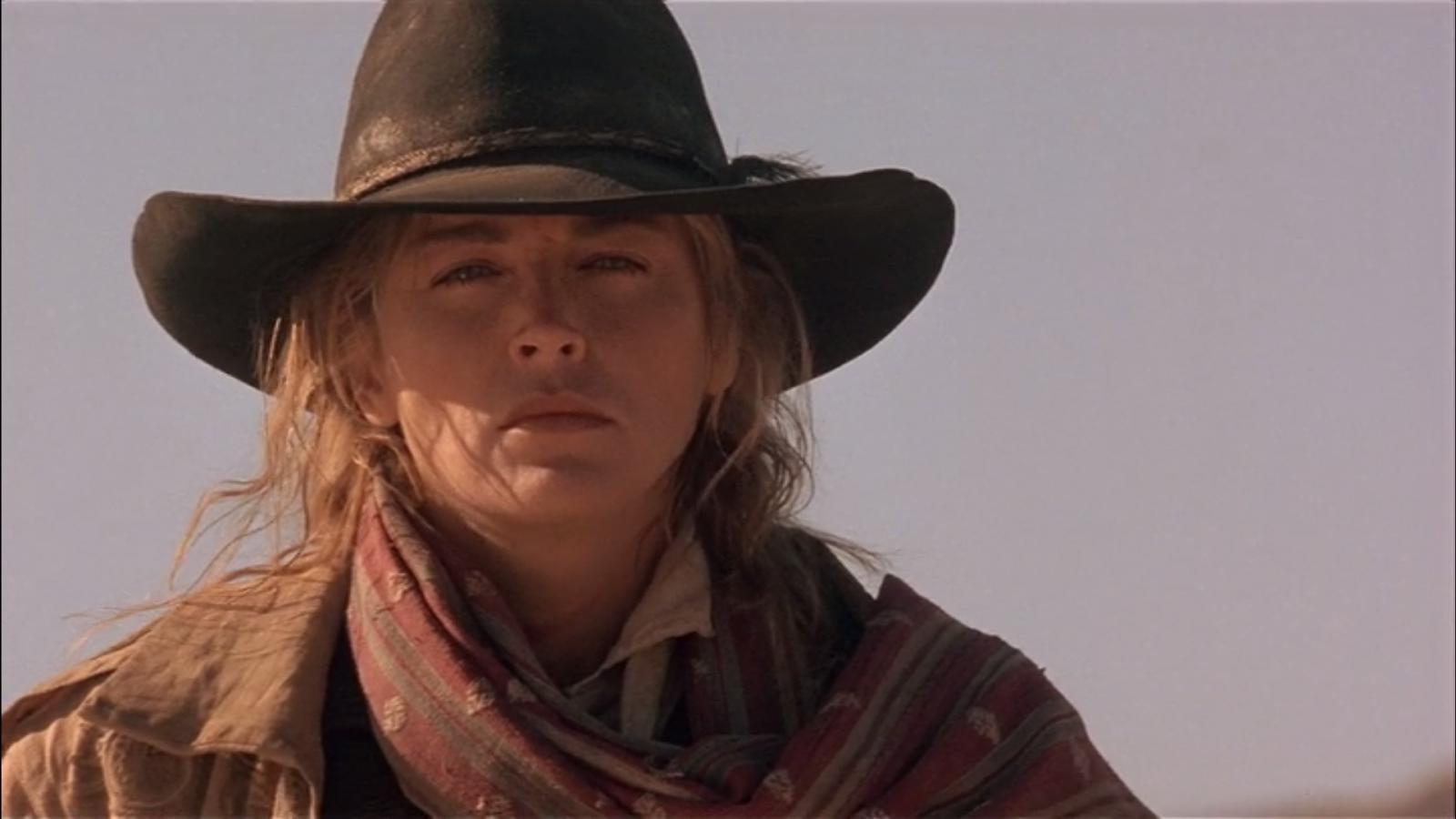 Är det Clint Eastwood eller bara en väldigt bajsnödig Sharon Stone? Foto: TriStar Pictures.