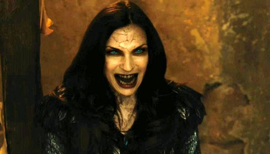 """""""Woohoo! Jag behöver inte sälja mitt hus!"""". Famke Janssen kunde betala av sitt huslån tack vare sin medverkan i Hansel & Gretel: Witch Hunters. Foto: Paramount Pictures."""